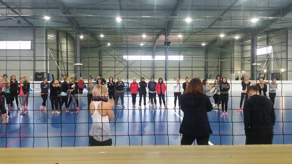 Apr s midi fitness dans le 66 complexe sportif du roussillon - Sportifs dans les douches ...